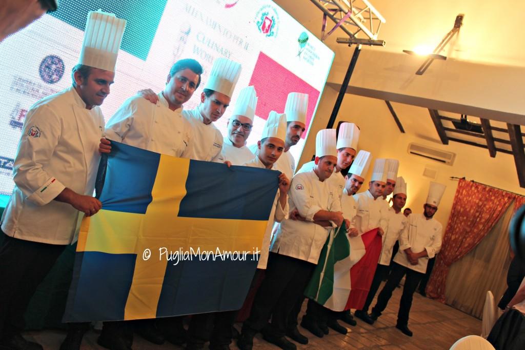 La Nic e il team svedese cantano i rispettivi inni